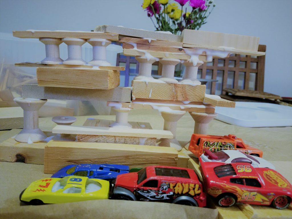 A wood building craft for a kid's playdate that is easy and fun for both parents and kids!